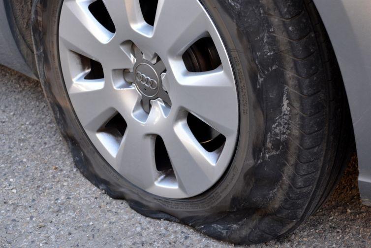puncture-1411352_1920